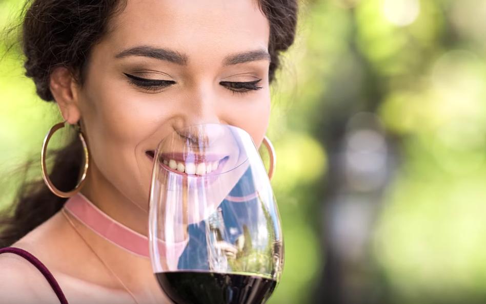 Как сделать полусладкое вино